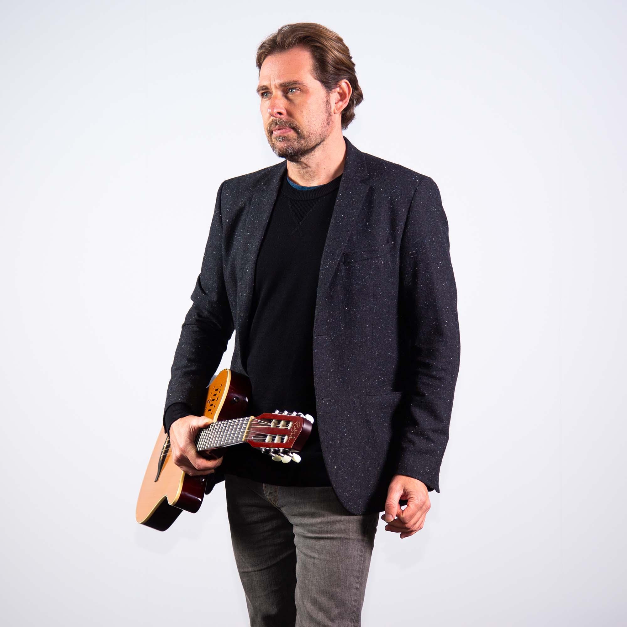 Aaron Hopper In Concert